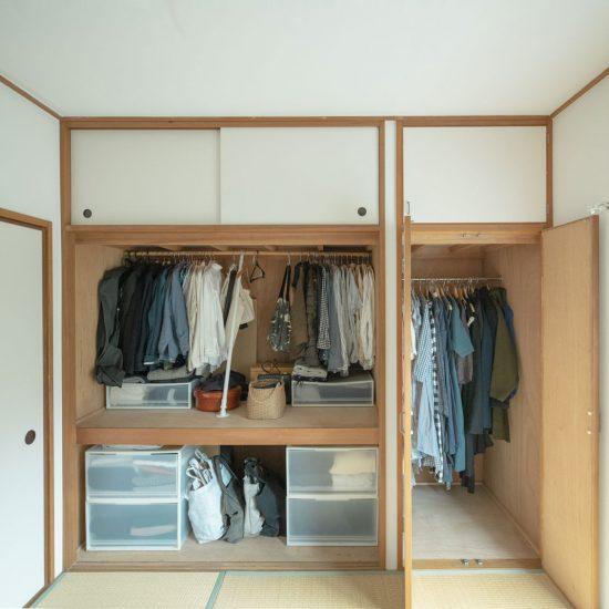 【スタッフのお宅訪問】第3話:夫婦ふたりで押入れひとつ。部屋が散らからない収納の工夫