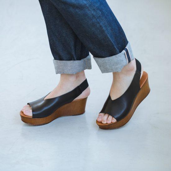 【新商品】ヒールがあるのに歩きやすい!理想のサンダルが新登場です♪