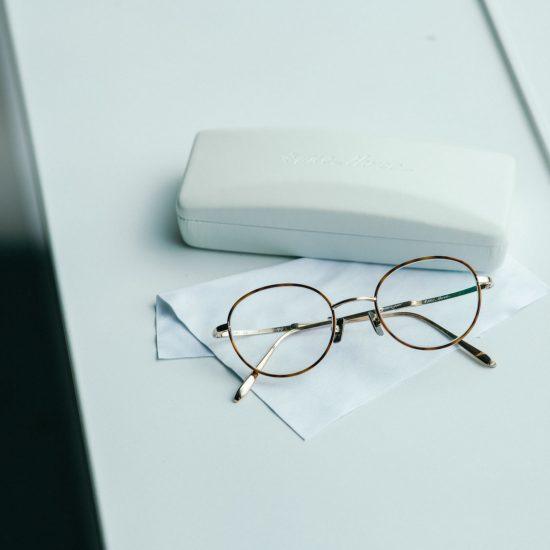 【メガネとわたし】前編:顔立ちだけじゃない。服装や気分に合わせたメガネ選びって?