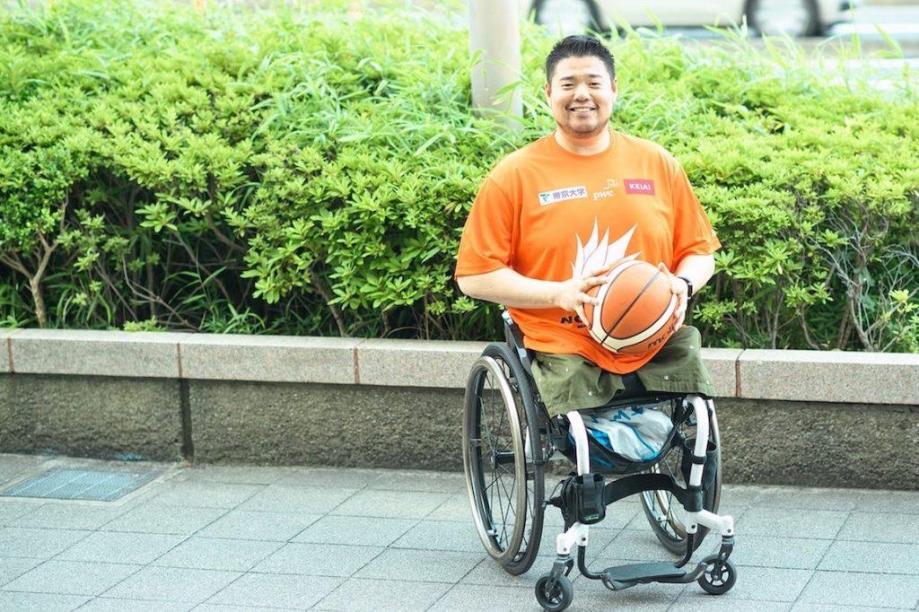 車いすバスケ唯一のプロ選手、香西宏昭。12歳から登り続けた「階段」のその先